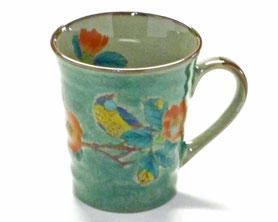 九谷焼通販 おしゃれなマグカップ マグ 椿に鳥緑塗り『中絵』正面の図