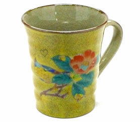 九谷焼通販 おしゃれなマグカップ マグ 黄塗り椿に鳥『裏絵』正面の図