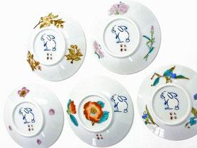 九谷焼通販 おしゃれ 皿揃え 小皿 草花絵変り ウサギ 3寸 花弁型 裏絵