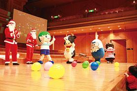 ※画像は昨年のクリスマス会の様子です