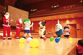 ※ 画像は昨年のクリスマス会の様子です