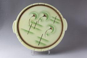 Große Teller, Tortenplatten und Pizzateller, meistens alte Teller aus Keramik, Porzellan und Steingut