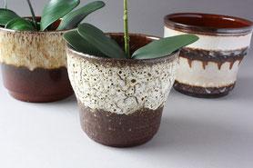 Vintage und Retro Blumentöpfe aus Keramik und Porzellan aus vergangenen Jahrzehnten, überwiegend aus den 50er 60er 70er Jahren, meistens in Germany und auch ganz Europa hergestellt, West German Pottery, Keramik Übertöpfe, Fat Lava in verschiedenen Farben