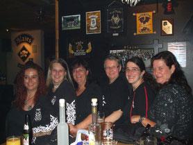 Einige Mädels von Clubbrüdern.