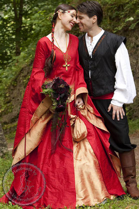 Mittelaterliche Hochzeits Gewandungen Mittelaterkleid