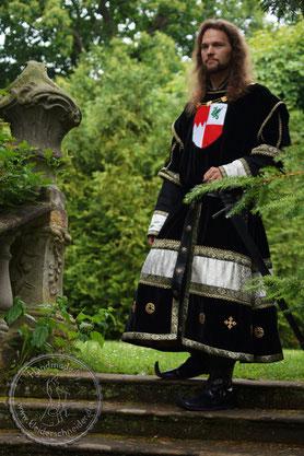 Wappenrock Prunk Gewand