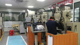 精密金型 プレート加工 ジググラインダー ジグ研削盤 MOORE ムーア 中国
