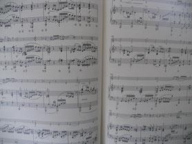 只今譜読み地獄中・・いや、天国なの?以前小山実稚恵さんとお話しさせていただいた時、「譜読みは趣味のようなものですから、新しい作品を知っていくのは楽しいです」とおっしゃっていました。