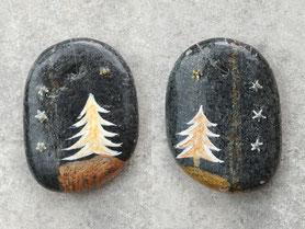 double face - Sapin et étoiles acrylique blanc, cuivre et or - vernis brillant - perles argentées - galet gris anthracite percé