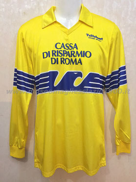 Lazio 1986-1987: versione da trasferta (www.museomagliesslazio1900.it)