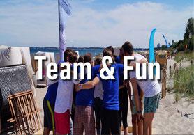 Spaß steht bei Team & Fun an erster Stelle. 2 Teams im kleinen Wettstreit.