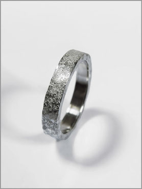 Mens ring -  gross effect - silver - Nelly Chemin