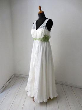 Hochzeitskleid mit langem und kurzem Rock