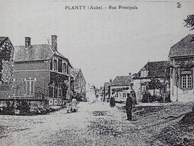 Planty, vers n°33 Grande Rue (dans les années 1910)