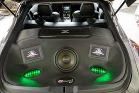 gfk kofferraumausbau beledert mit eton subwoofer und alpine monitoren