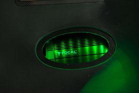 led beleuchteter verstärker focal im carbon rahmen
