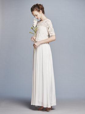 袖付きコットンレースのwedding dress