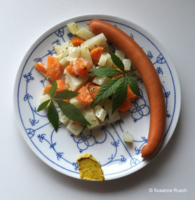 """Würstchen an Kohlrabi"""