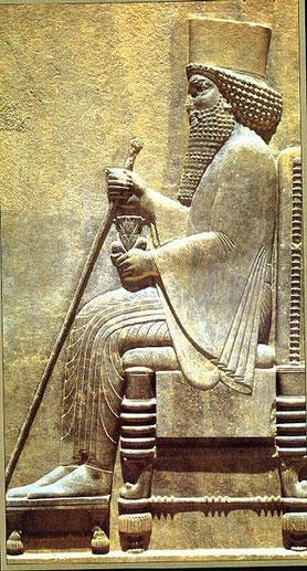La première année de Darius le Mède à Babylone, le prophète Daniel a reçu des visions concernant le roi du nord et le roi du sud et les prophéties du temps de la fin avec l'antichrist.