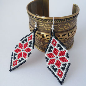 Women Boho earrings, Ukrainian embroidery earrings, Peyote Dangle earrings, Boho earrings, Dangle earrings, Red earrings, Gift for women