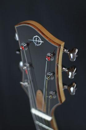 Heeres Guitars Archtop Headstock