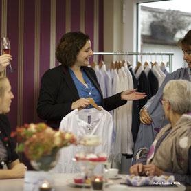Tea Time,Fashion, Junggesellenabschied Idee, Idee Geburtstagsfeier,Modeskizze,Modezeichnung,blaues Kleid,Emsdetten,Mode Münster,Ecomode