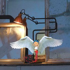 Timeliot est déguisé en ange