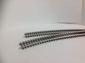 Schiene gebogen, 12 Stk. zu CHF 1.50 (3004)