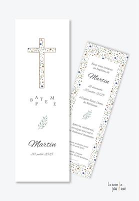 faire part baptême garçon  avec une croix en motif liberty-fleurs-baptême  religieux-format marque page