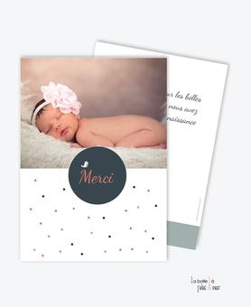 carte de remerciement naissance fille -petites robe avec un oiseau-motif à pois et belle photo