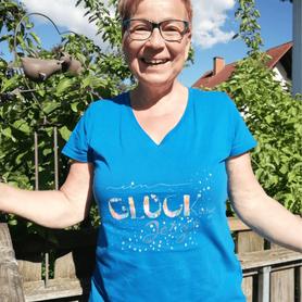 Frauen Bio-T-Shirt mit V-Ausschnitt von Stanley blau & Stella