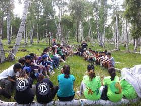サマーキャンプの様子。 いろいろな学校から参加者が集まりました