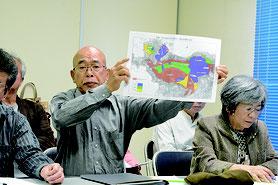 石垣島に軍事基地をつくらせない市民連絡会が市長の「遠くない時期に判断する」発言に対し声明発表を行った=8日午後、大浜信泉記念館研修室