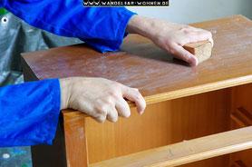 Schleifen, Möbel schleifen, Möbel grundieren, Anleitung, Ratgeber der Möbelbearbeitung