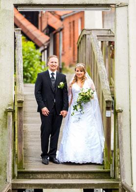 Hochzeitspaar Daniela & Kai in Bleckede - Hochzeitsreportage von FOTOFECHNER