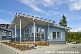 Blockhaus in Hellblau