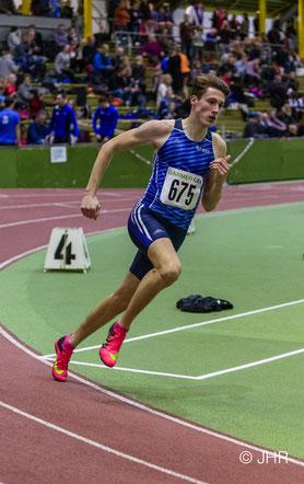 Als starker Wettkämpfer geht U18-Athlet Jan-David Ridder gelassen an den 800-m-Start der U20. (Foto: Jan-Hendrik Rideer)