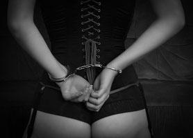 Bondage, Handschellen