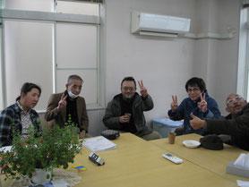 リーダー同士、話が弾みました(右端:米田氏、右から2番目:谷氏)