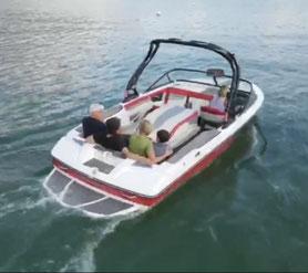 Mit den Motorbooten von Wassersport Engel zu schönen Ausflugzielen am Wolfgangsee
