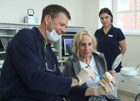 Individualprophylaxe - Zahnarztpraxis & Implantologie Dr. med. dent. Malte Uhrigshardt Tornesch im Kreis Pinneberg