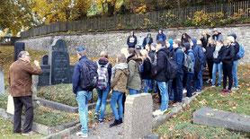 Führung auf dem Jüdischen Friedhof in Attendorn