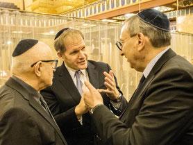 Direktor Rabbiner Joshua Spinner, Kuratorium Rabbinerseminar, Küf Kaufmann, Zentralratsvizepräsident Abraham Lehrer