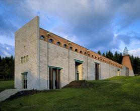 Près de la ferme des Ânes de Vassivière : le centre d'art