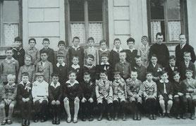 Bubenklasse um 1900