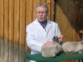 Joachim Kapp -  die Kompetenz im weißen Kittel
