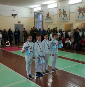 Марк Легатов - первый слева