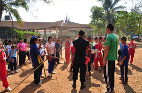 OISCA Lamphun Center - Children are learning how to make firebreaks