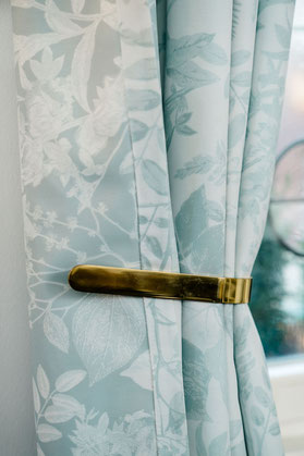 Custommade curtains for a restaurant / MADEMOISELLE CAMILLE Restaurant design