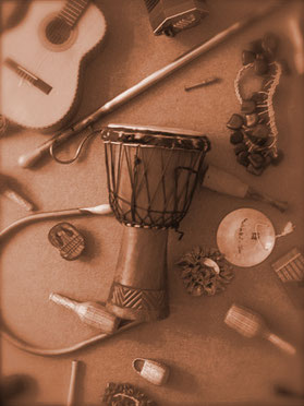 Musikinstrumente, Trommel, Rassel, Gitarre